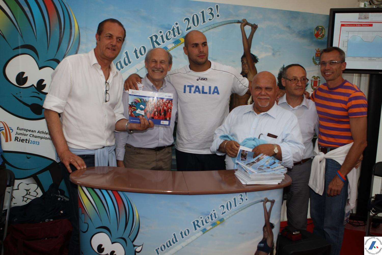 il presidente Wirz nello stand di Casa Italia Atletica