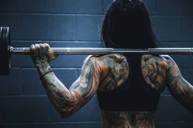 All About Female Bodybuilding : The Pros and Cons of Female Bodybuilding