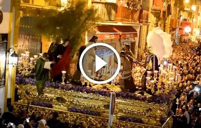Salida de la Hermandad de los Panaderos de Sevilla 2017 el Miercoles Santo en la Semana Santa de Sevilla desde la Capilla de San Andres en la Calle Orfila en el centro histórico de Sevilla