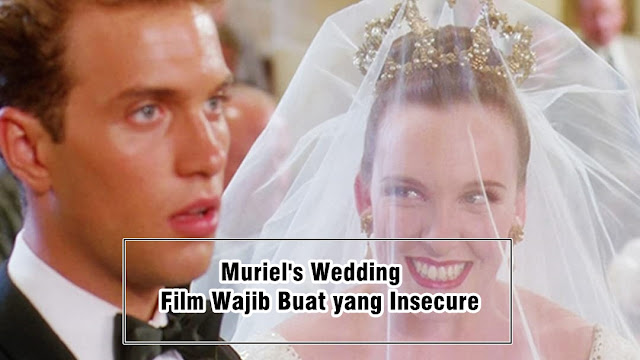 review muriel's wedding