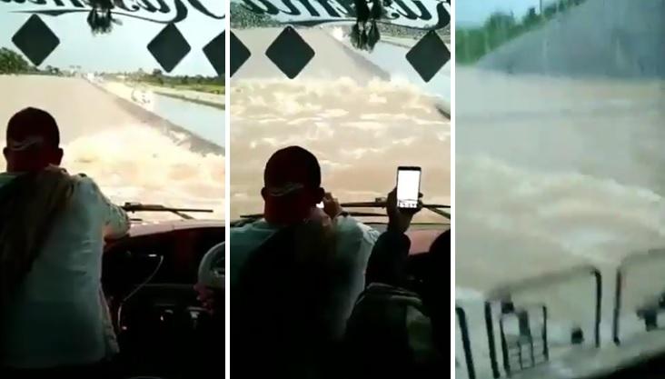 Bus terobos tol banjir