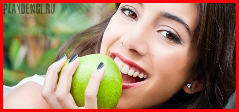 7 натуральных продуктов, которые отбеливают зубы