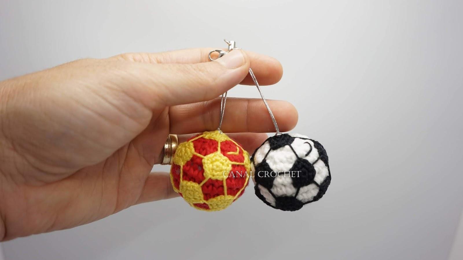 CANAL CROCHET: Balón de fútbol llavero amigurumi tutorial