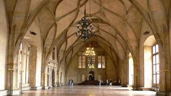 Salon Vladislov en castillo de Praga