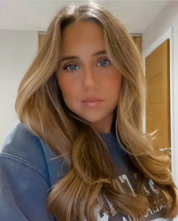 Mollygneville (Instagram Star) Wiki, Biography, Age, Boyfriend, Facts and More