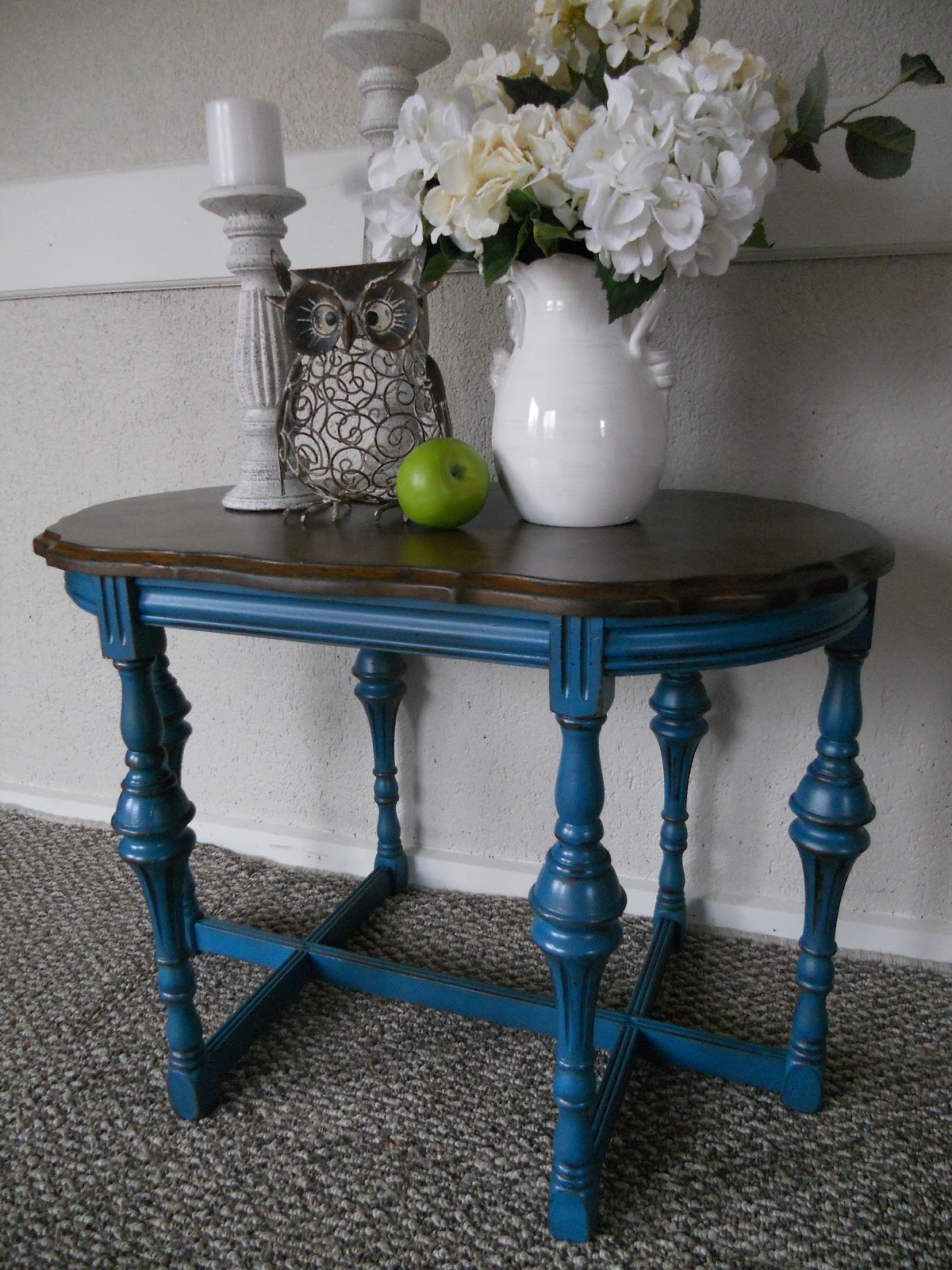 Side Table: {createinspire}: Antique Peacock Side Table