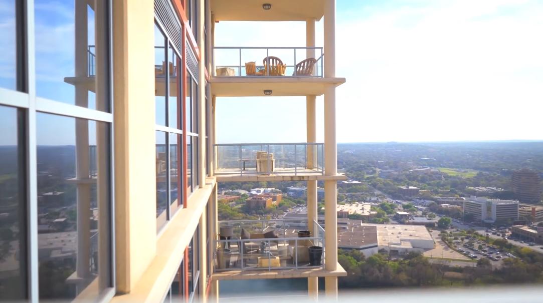 49 Interior Design Photos vs. Tour 98 San Jacinto Blvd PH Austin TX