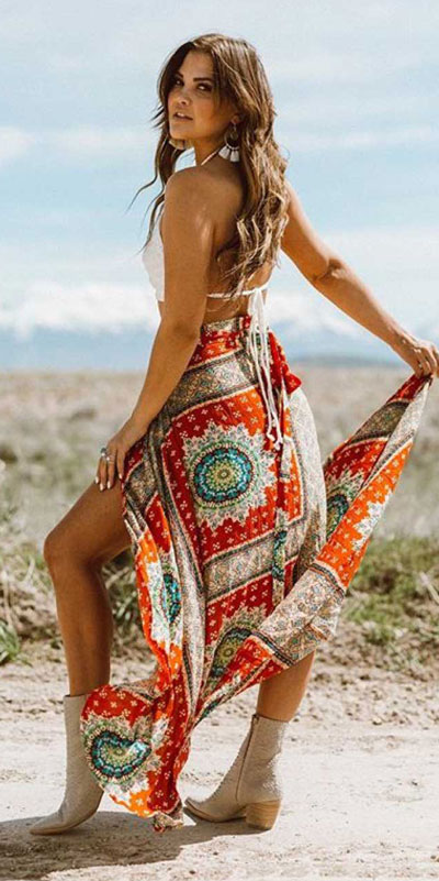 Capture everyone's attention with these latest summer looks. 27 Trending Summer Outfits by Stylish Instagram Influencers. Summer Styles via higiggle.com | boho outfits | #summeroutfits #instagram #style #boho