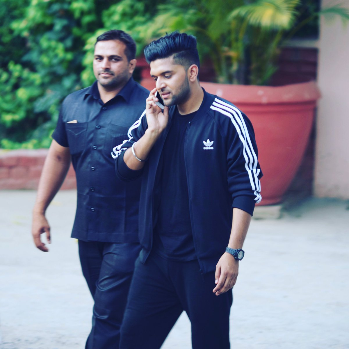official guru randhawa singer contact 91 701671 2 guru randhawa contact address phone number email id website for event booking enquiry celebrity