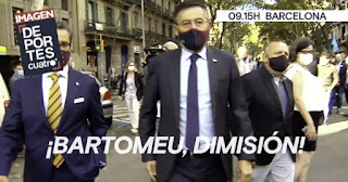 Video: Bartomeu rained with insult as he make his first public appearance after Messi saga