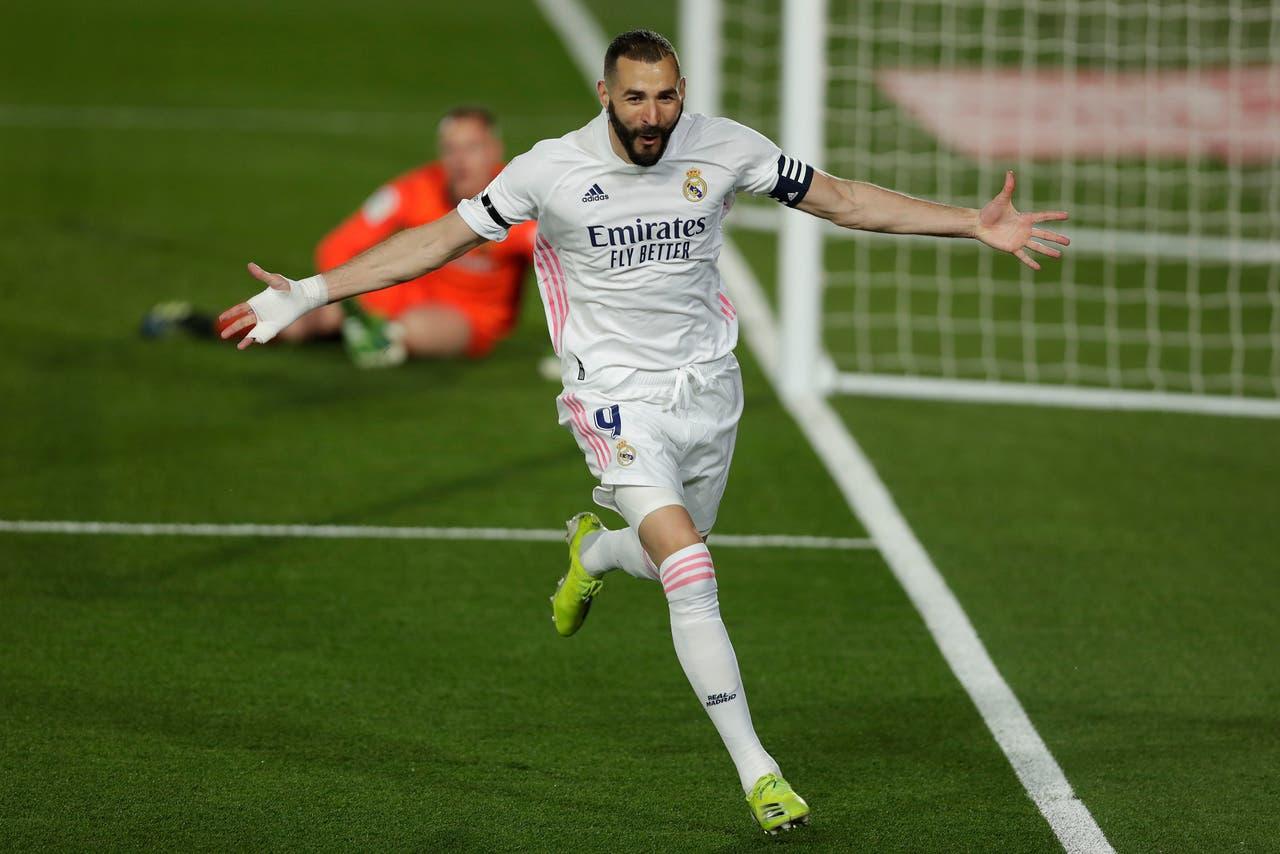 El Real Madrid le ganó el clásico al Barcelona de Messi y alcanzó al Atlético en la cima de la liga