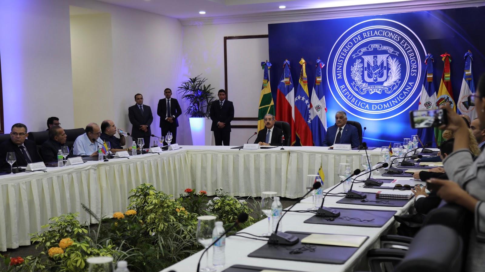 Quinta ronda diálogo Venezuela concluye con un solo tema pendiente; partes consultarán en Caracas