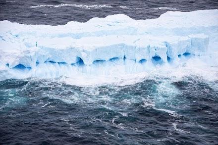 A68: Λιώνει το (πρώην) μεγαλύτερο παγόβουνο στον κόσμο