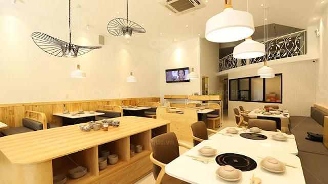 Nội thất bằng gỗ luôn là sự lựa chọn đầu tiên trong một bản thiết kế nhà hàng BBQ