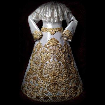 Nueva saya para la Virgen del Amor de Huelva realizada por Manuel Solano Rodríguez y diseñada por juan robles.