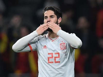 (Image): Isco spotted in London amidst Chelsea rumours