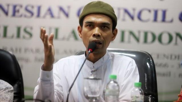 Masjid Masih Gelar Salat Berjamaah, UAS: Secara Fiqih Simpel Saja Tapi...