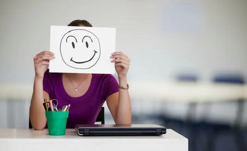 كيف تكون سعيدًا اكتر من 25 نزعة يمكنك إضافتها إلى يومك لتحقيق سعادة داخلية