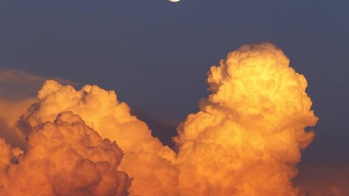 Papel de Parede Lindo Entardecer Nuvens Lua