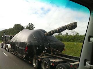 Imagen divertida de tanque de guerra