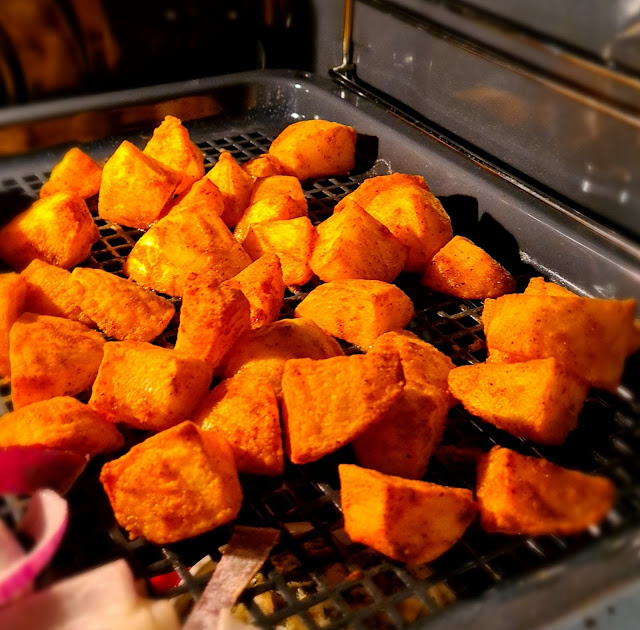 Christmas Burger & Mini Roast Potatoes | Zanussi Fakeaway | AD