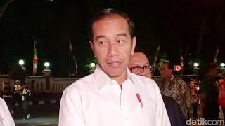 Jokowi Terpingkal-pingkal Dihibur Wayang dan Pelawak Kirun di Purworejo