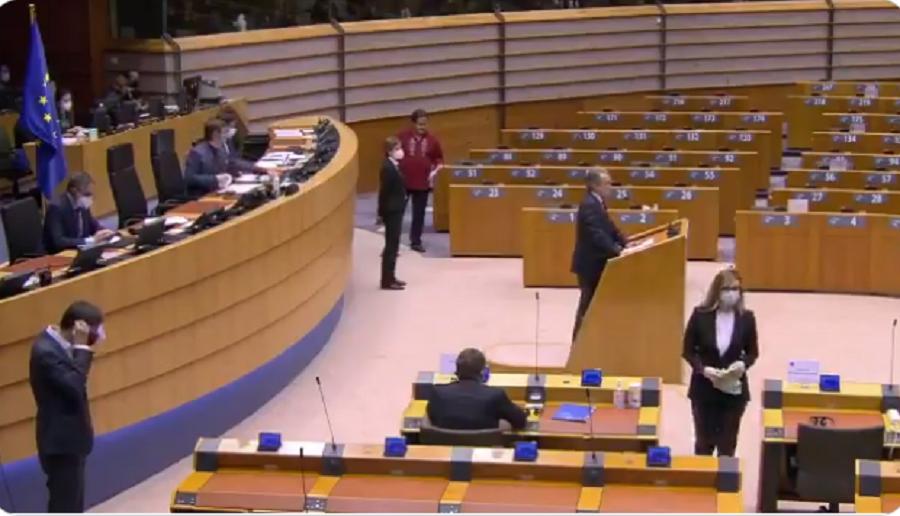 Exposición del parlamentario español Tertsch en la plenaria del jueves / TWITTER