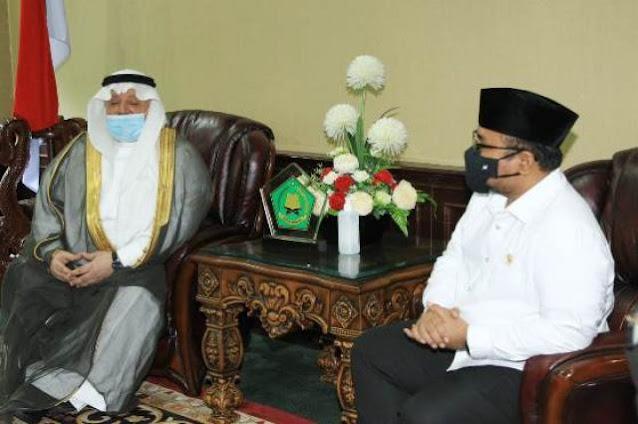 Puji Menag Malaysia, HNW Sindir Yaqut Hanya Mampu Lobi Menteri Haji Arab yang Lama