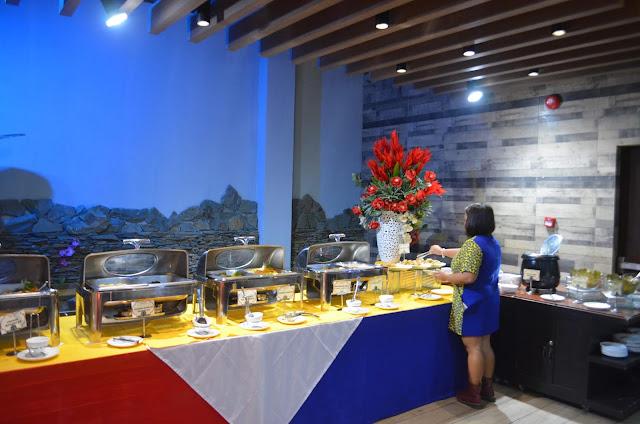 Kew_Hotel_Buffet_Tagbilaran_Bohol_Buffet_set_up