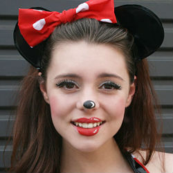 Minnie Mouse make-up tutorial