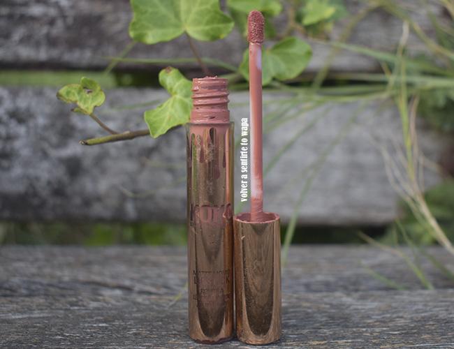 Matte Liquid Lipstick de Kyllie Cocmetics en el tono Khlo$