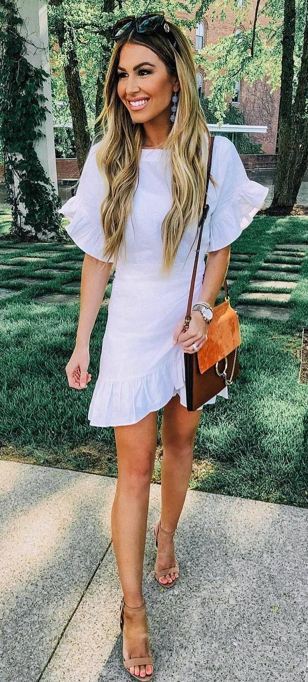 summer outfit ida / white ruffle dress + bag + heels