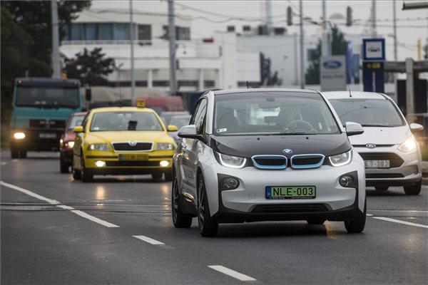 Como alugar um carro em Budapeste por preços imbatíveis