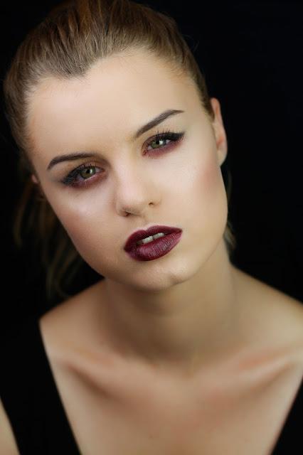 makijaż z kreską