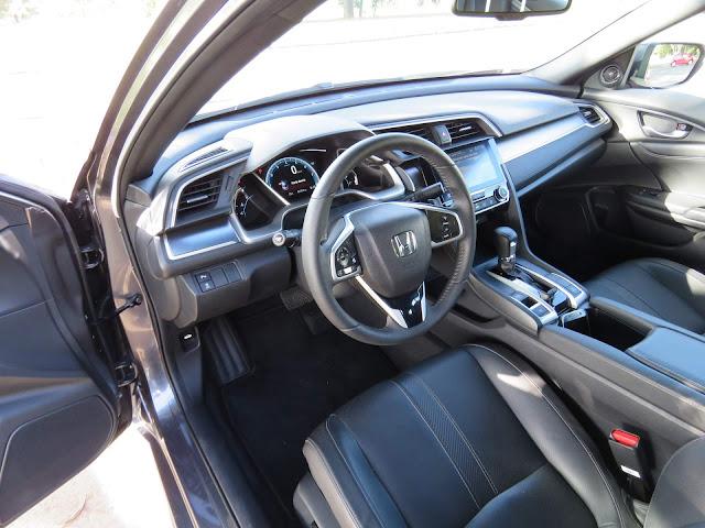 Novo Honda Civic 2017 Touring - interior - posição de dirigir