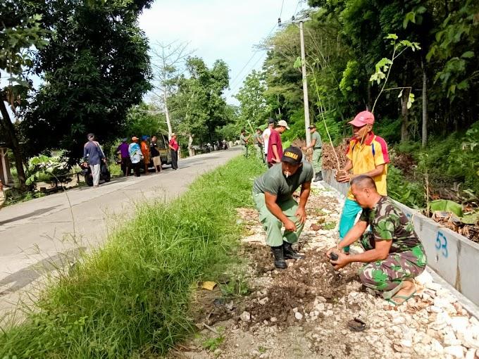 Koramil 0813-19/Bubulan, Gelar Jum'at Bersih Serentak di Tiga Desa
