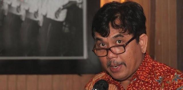 Syahganda Nainggolan: Mohon Berkenan Pak Anies Mengumumkan Siapa Pemasang Spanduk
