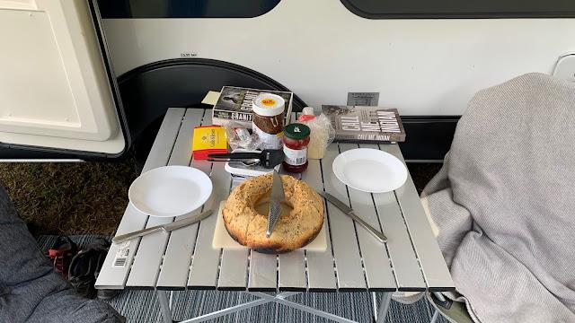 Tid til morgenmad på Holmens Camping i Ry