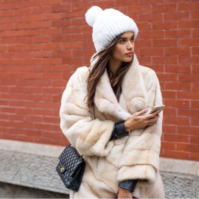 トップモデルも夢中。『ニット帽』で冬コーデにアクセントを
