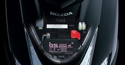 Bình ắc quy trên xe Honda Air blade