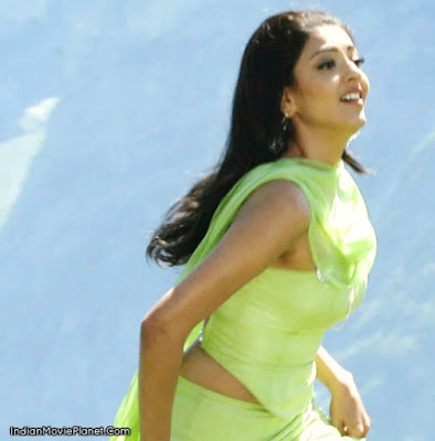 kajal agarwal hot green dress hot images