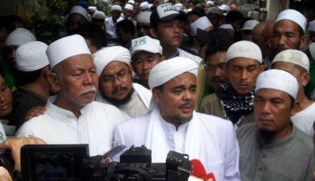 Pekan Ini Habib Rizieq Pulang, Akan Melawan Secara Hukum