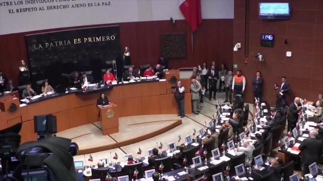 Renuncias en Gobierno mexicano por reducción salarial