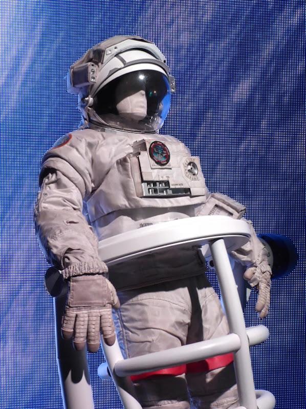 Gravity Matt Kowalski Astronaut suit