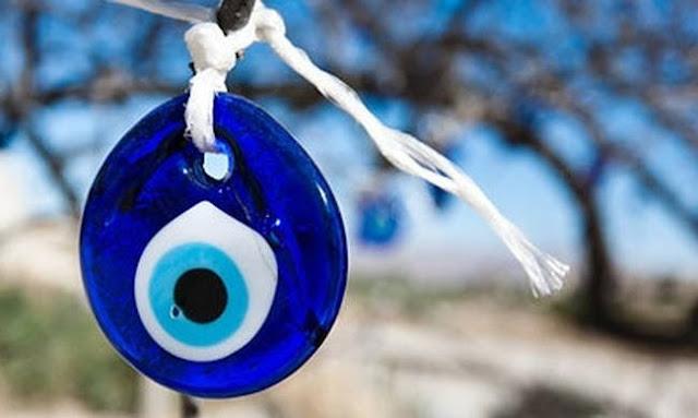 """66% των Ελλήνων πιστεύουν ότι υπάρχει το """"κακό μάτι"""""""