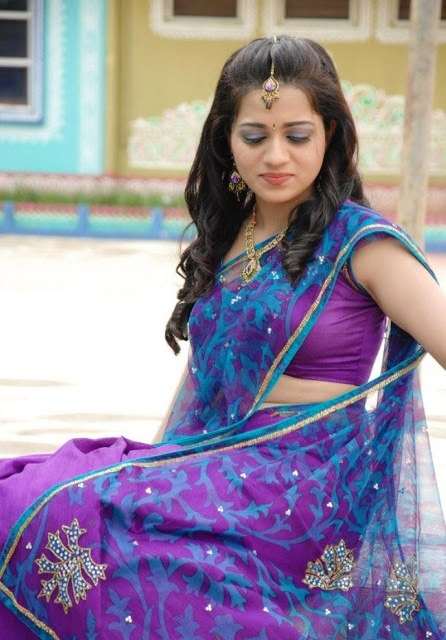 Telugu Actress Reshma Latest Hot Stills In Saree Actress Trend