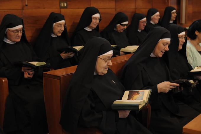 """""""Impariamo da Santa Rita ad essere in comunione, per abbattere ogni divisione"""": la 'sfida' al mondo delle agostiniane di Cascia"""