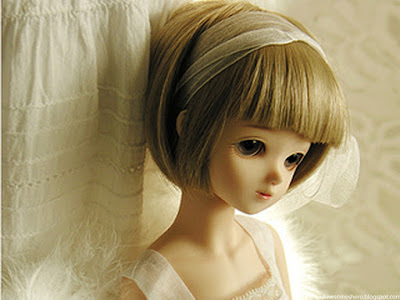Cute Barbie Doll - Cool Display Pictures