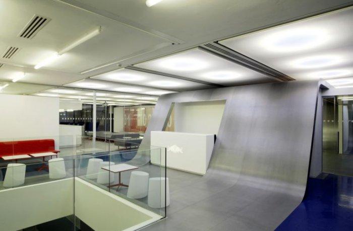 Desain Kantor Red Bull