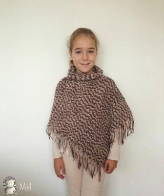 Poncho asimétrico a crochet